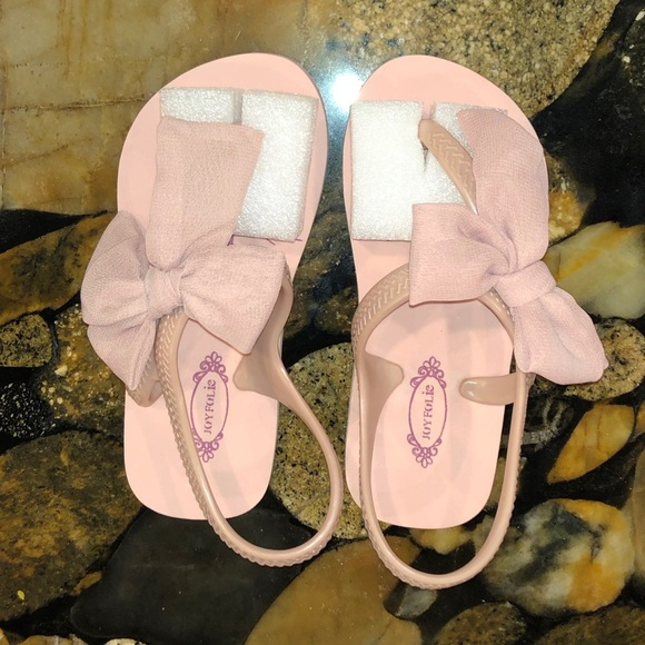 Joyfolie Other - Joyfolie Blush Colored Flipflops